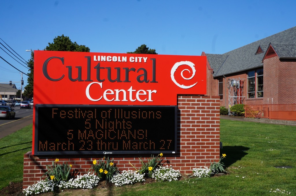Lincoln City Cultural Center sign