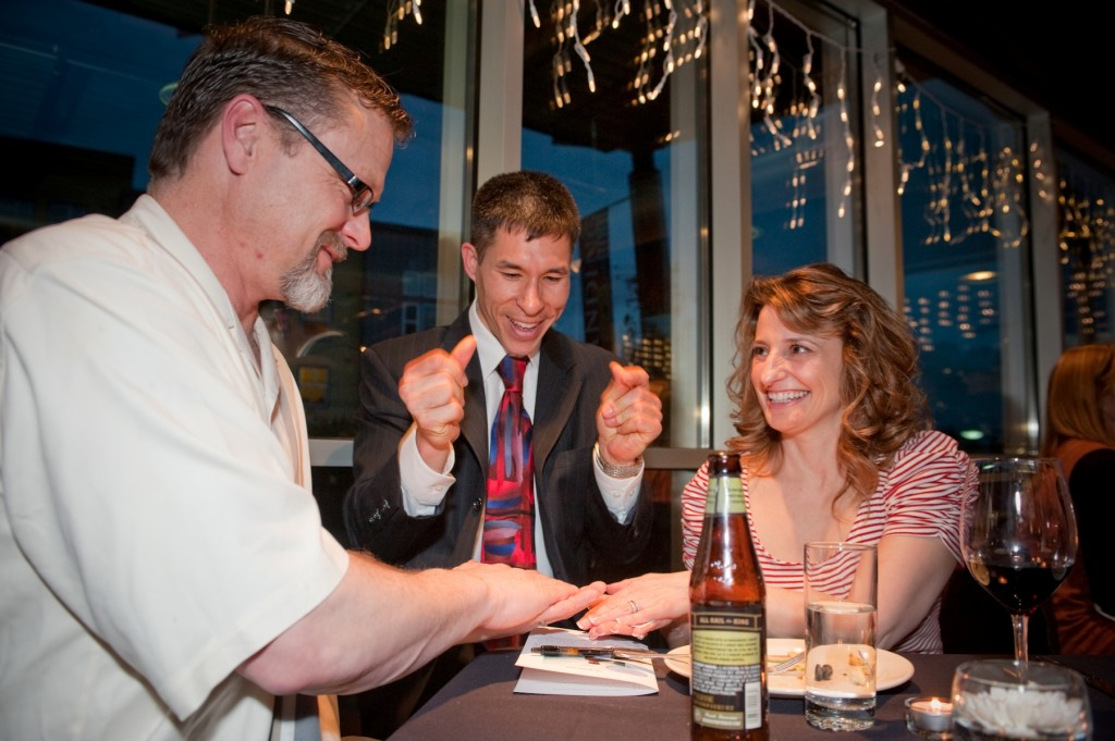 Magician Jeff Evans entertains for wedding receptions throughout the Pacific Northwest