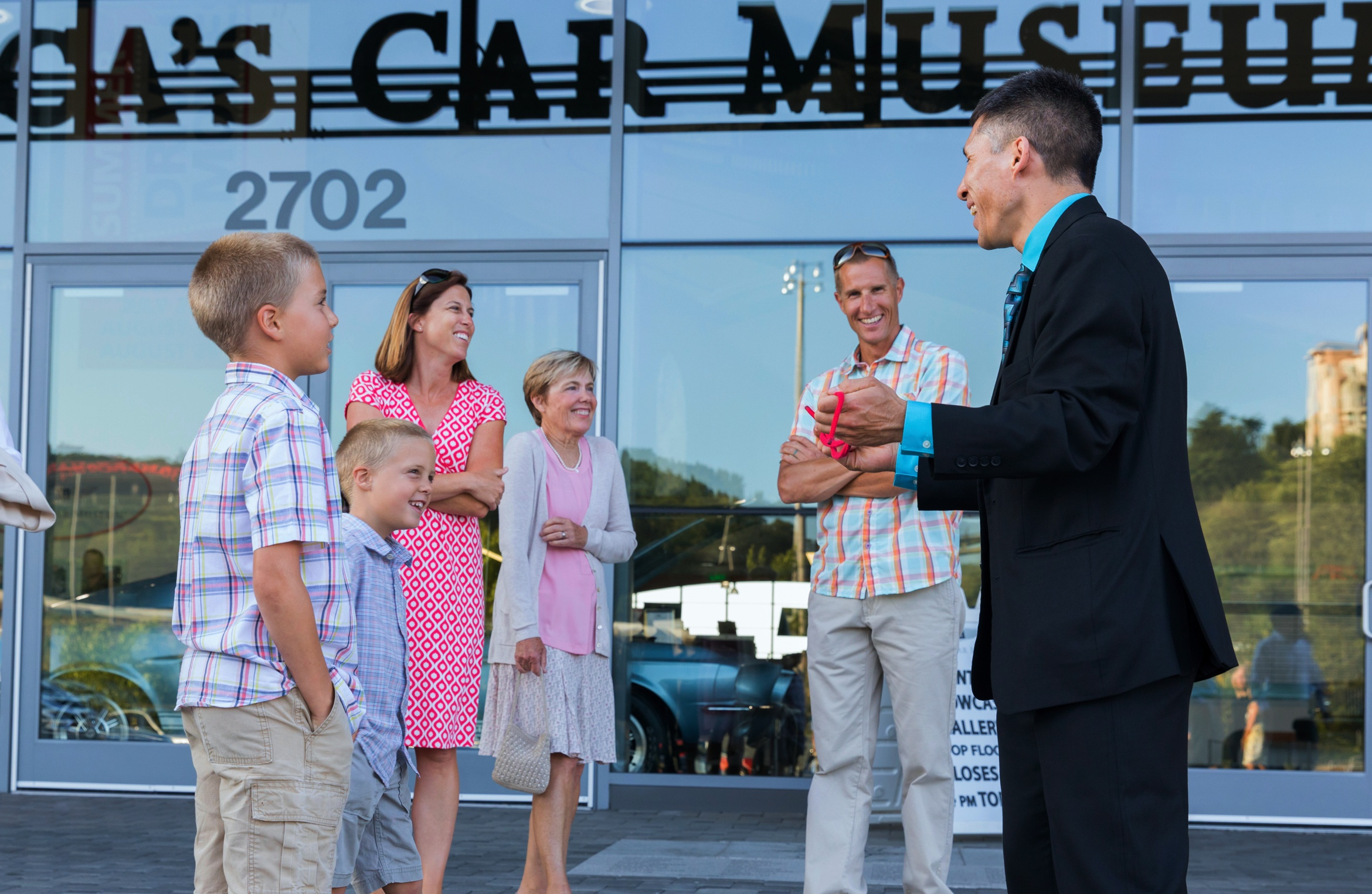 Magician Jeff Evans at the LeMay-America's Car Museum