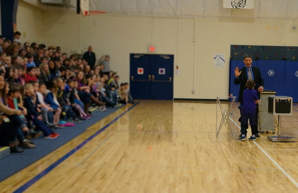 Magician Jeff Evans at St. Luke School in Seattle