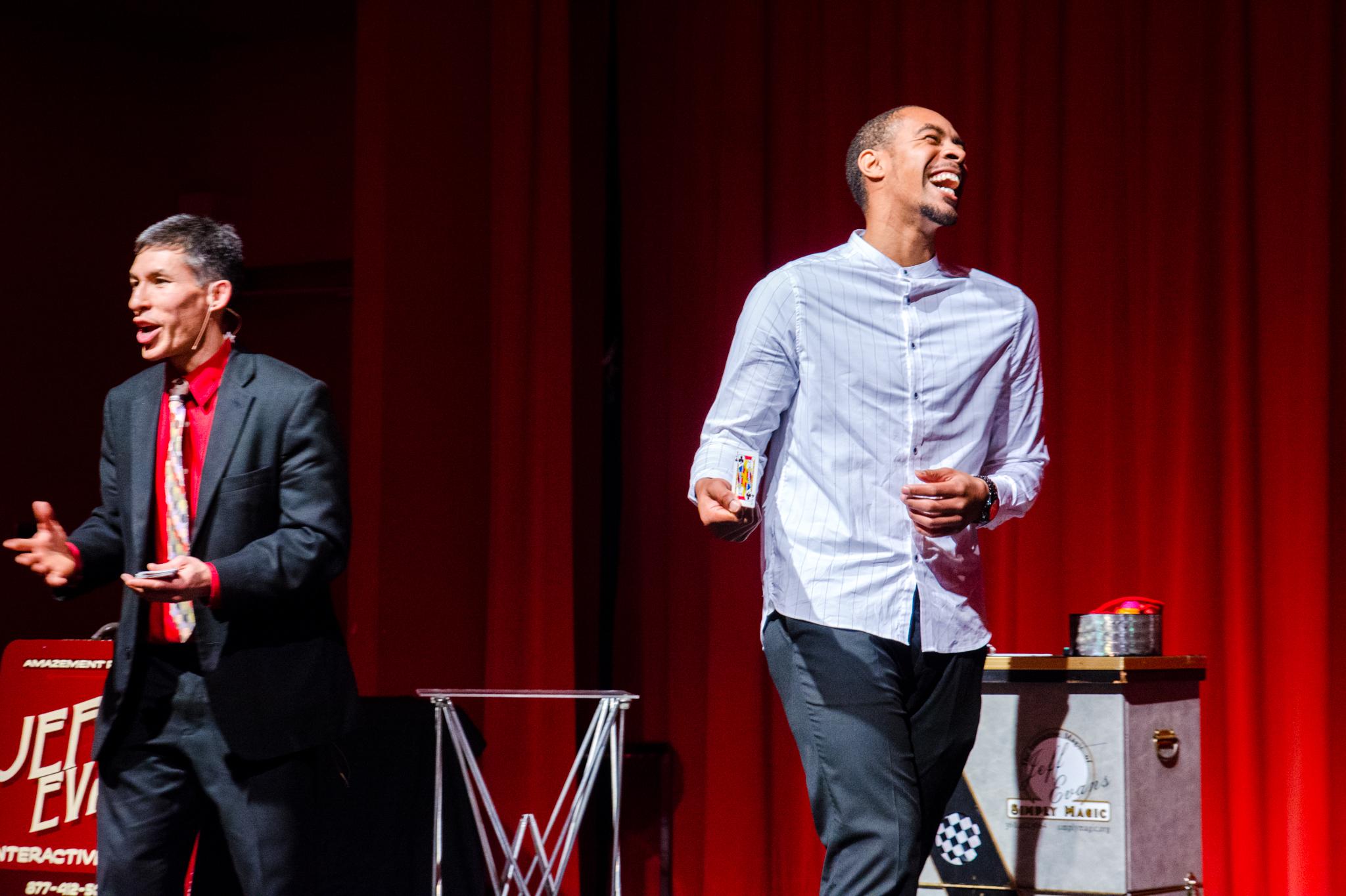 Tacoma banqet magician Jeff Evans: clean comedy and interactive magic
