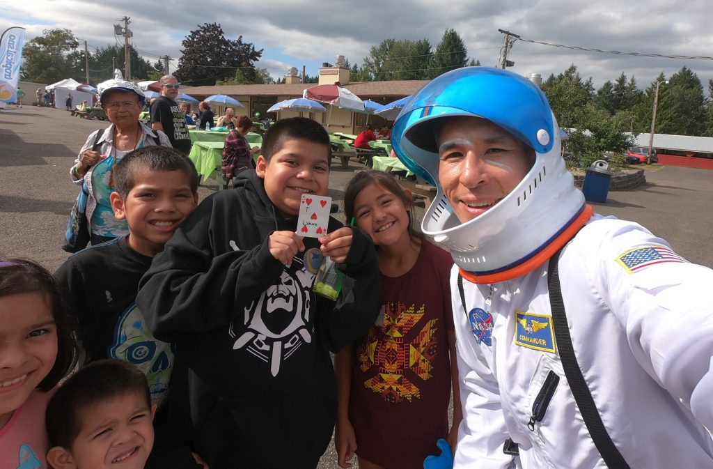 """""""UFO Fest"""" magician Jeff Evans wows these Earthlings at the Thurston County Fairgrounds"""